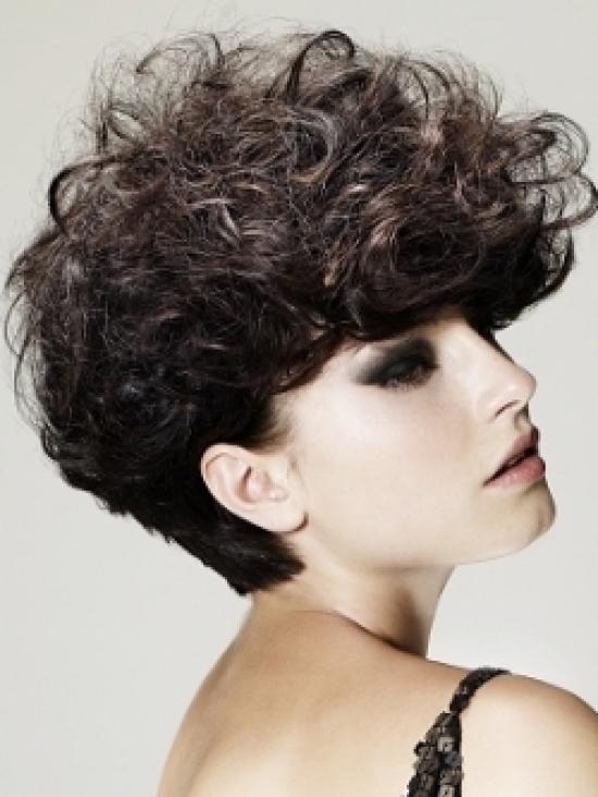 Como hacer corte bob en cabello crespo