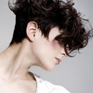 cortes-de-pelo-rizado-corto-6