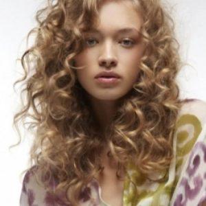 cortes-de-pelo-rizado-largo-5