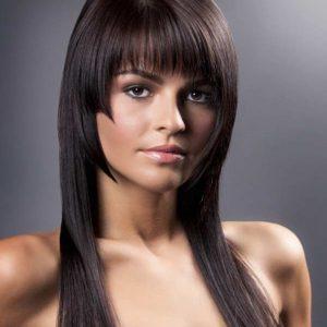 peinados-con-flequillo-para-el-pelo-largo-1