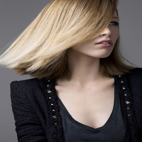 Media melena recta 27 fotos sobre el cabello - Peinados media melena recta ...