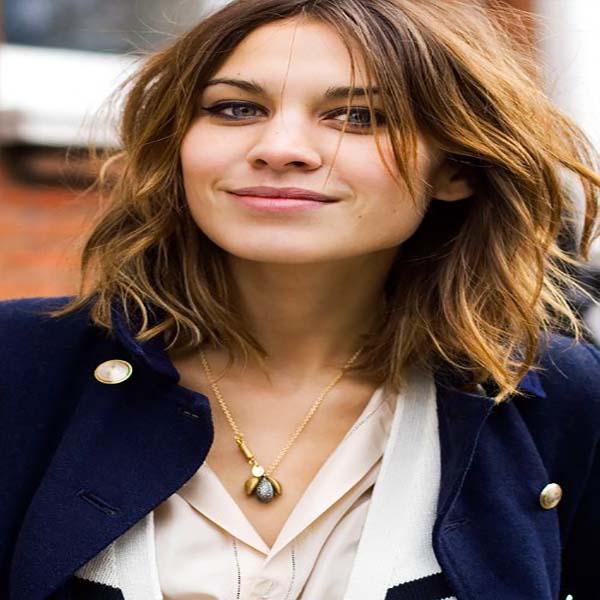 Hermoso peinados rizados media melena Galería de tendencias de coloración del cabello - 28 peinados nuevos media melena a capas - Sobre El Cabello