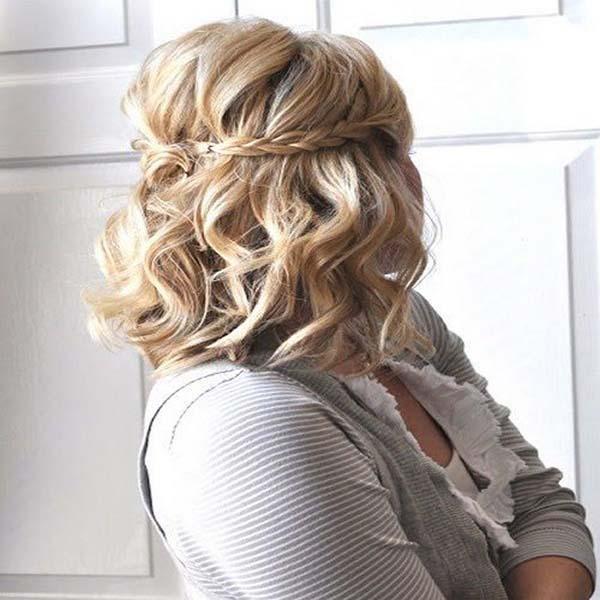 Trenzas con cabello suelto para media melena
